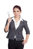 Asian businesswoman show a blank card with confide Stock Photography