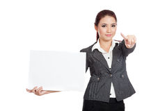 Asian businesswoman show a blank sign point to cam Royalty Free Stock Photography