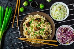 Asian chicken noodles salad Royalty Free Stock Images