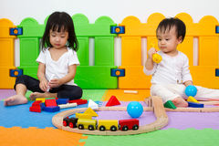 Asian Chinese childrens playing with blocks Royalty Free Stock Photography