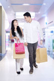 Asian couple in shopping center Royalty Free Stock Photography