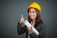 Asian engineer girl show thumbs up Royalty Free Stock Photos