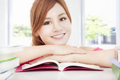 Asian girl reading book Royalty Free Stock Images