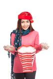 Asian girl with red christmas hat smile open shopping bag Royalty Free Stock Photos