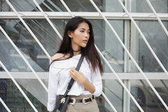 Asian model in city a Royalty Free Stock Photos