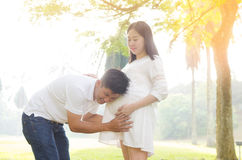 Asian pregnant couple Royalty Free Stock Photography