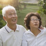 Asian seniors couple looking up Royalty Free Stock Photography