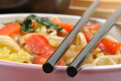 Asian style noodle and shrimps Royalty Free Stock Photos