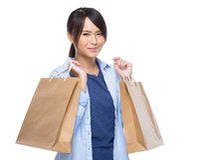 Asian woman hold shopping bag Royalty Free Stock Photos