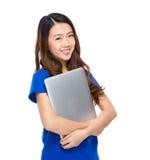 Asian woman with laptop computer Royalty Free Stock Photos