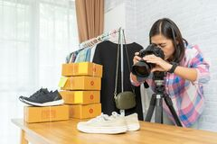 Free Asian Woman Taking Photo To Shoes With Digital Camera Royalty Free Stock Photo - 190283275