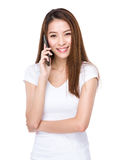 Asian woman talk to mobile phone Royalty Free Stock Images
