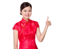 Asian woman with thumb up Royalty Free Stock Photography