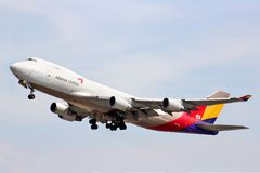 Asiana Cargo Boeing 747 Royalty Free Stock Photography