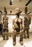 Asiat Kina, Peking, nationellt museum, mässhallen, Afrika, träskulptur Royaltyfri Fotografi