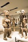 Asiat Kina, Peking, nationellt museum, mässhallen, Afrika, träskulptur Arkivfoto