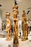 Asiat Kina, Peking, nationellt museum, mässhallen, Afrika, träskulptur Arkivbild