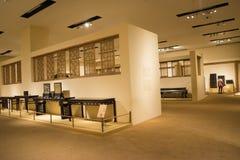 Asiat Kina, Peking, nationellt museum, mässhallen, antikt wood möblemang Royaltyfri Fotografi