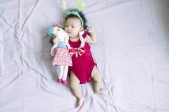 Asiatet behandla som ett barn flicka 14 Arkivbild