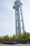 Asiatet Kina, Peking som är olympisk parkerar, watchtoweren Arkivfoto