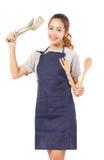 Asiatin-tragendes Schutzblech und Darstellen, Werkzeuge kochend Stockbild