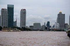 从Asiatique的河沿视图河边区,曼谷,泰国 库存图片