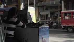 Asiatique thaïlandais de dîner de rue, nourriture, faisant cuire, cuisine, fraîche, rue, déjeuner clips vidéos