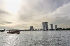Asiatiquetoerisme van Bangkok bij het Winkelen Stock Fotografie