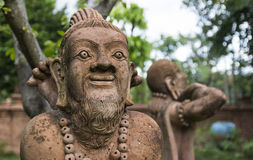 Asiatische übende Yogastatue des alten Mannes Lizenzfreies Stockbild