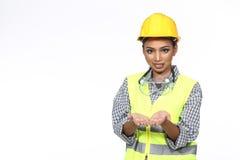 Asiatische Architekten-Engineer-Frau im gelben Schutzhelm, Sicherheit beträchtlich stockbilder