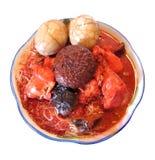 Asiatische Artnudel in der roten Suppe Stockfotografie