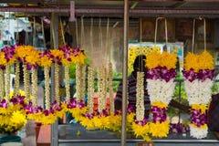 Asiatische Blumen-Anordnungs-Girlanden Malaysia stockfoto
