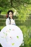 Asiatische Chinesin in traditioneller Hanfu-dressï ¼ Œclassic-Schönheit in Chin Lizenzfreie Stockfotos