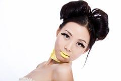 Asiatische Frau mit kreativer bunter Verfassung Stockfoto