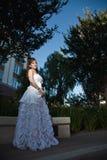Asiatische Frauenbraut der schönen Vierziger Lizenzfreie Stockfotos