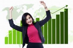 Asiatische Geschäftsfrau feiern ihre Leistung Lizenzfreies Stockfoto