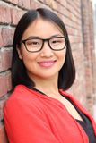 Asiatische Geschäftsfrau mit Gläsern schließen oben stockfoto