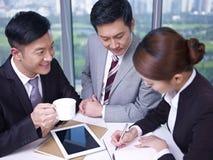 Asiatische Geschäftsleute Lizenzfreie Stockfotografie