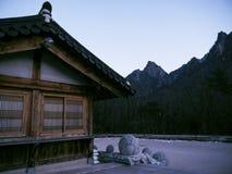 Asiatische Häuser in Sinheungsa-Tempel Lizenzfreie Stockbilder