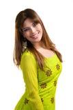 Asiatische moslemische Frau, die traditionelle Kleidung trägt Lizenzfreies Stockfoto