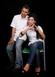 Asiatische Paare auf Schwarzem Stockbilder