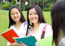 Asiatische Studenten lizenzfreie stockfotografie