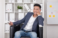 Asiatischer CEO im Büro stockbild