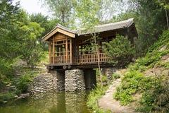 Asiatischer Chinese, antike Gebäude, Brücken, Galerien, Stockbilder