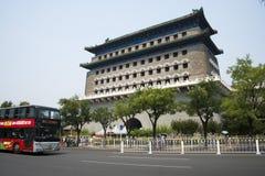 Asiatischer Chinese, Peking, alte Architektur, Zhengyang Jianlou Stockfotos