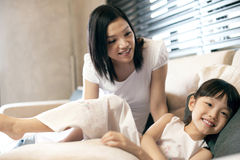 Asiatischer Familien-Lebensstil Lizenzfreie Stockbilder
