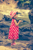 Asiatischer Mädchenphotograph mit Berufsdigitalkamera im Galan Lizenzfreie Stockfotografie
