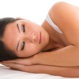 Asiatisches Frauenschlafen Stockbilder