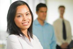 Asiatisches Geschäftsfrau-Portrait-Team nach lizenzfreies stockfoto