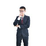 Asiatisches Geschäftsmanndenken lokalisiert auf weißem Hintergrund, clippi Lizenzfreie Stockbilder